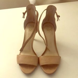 Size 5 Vince Camuto nude leather strap heels